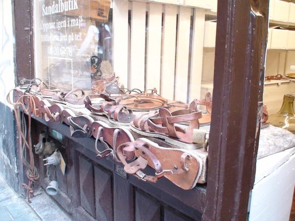 製作皮涼鞋的店