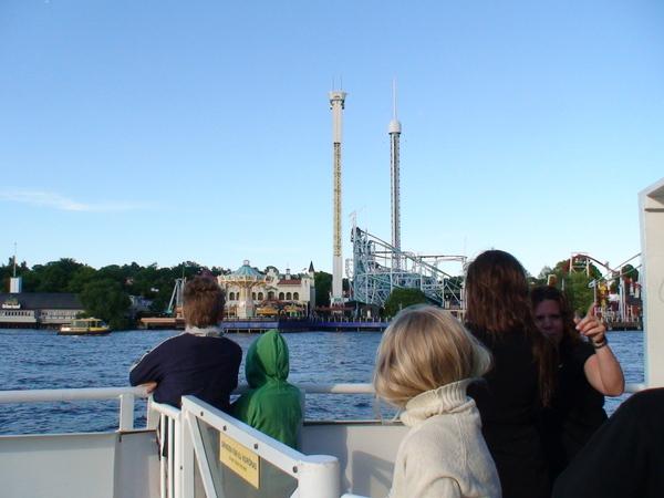 搭船前往Tivoli--斯德哥爾摩遊樂園
