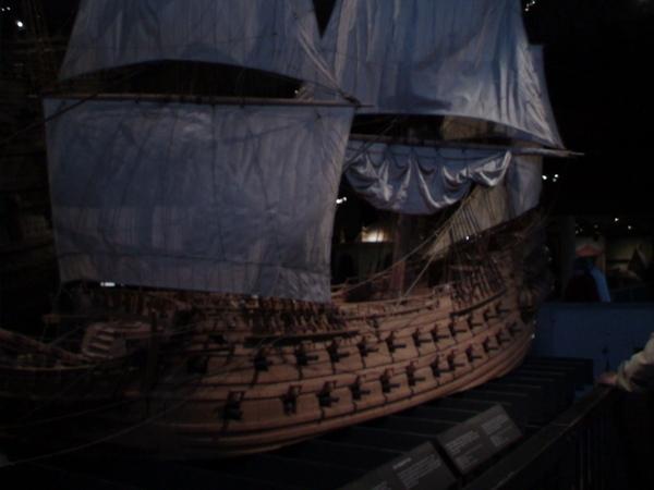 巨大沉船真面貌