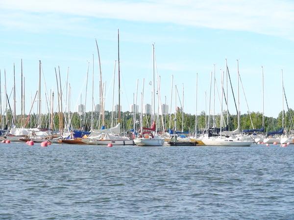 湖上的遊艇