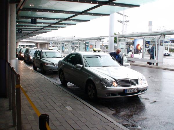 機場排班計程車也是賓士