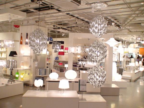 設計店中的各式燈具