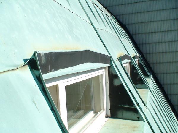 屋頂中的氣窗