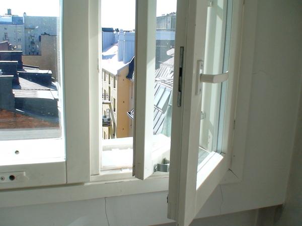 為了抵擋嚴寒的雙層窗戶