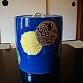 盛水的陶罐