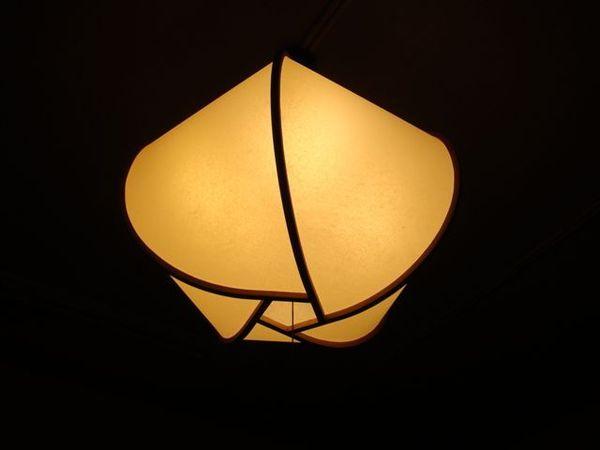 519特別的燈.JPG