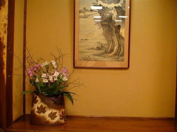 575花與壁畫.JPG