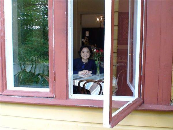 咖啡館的窗.JPG