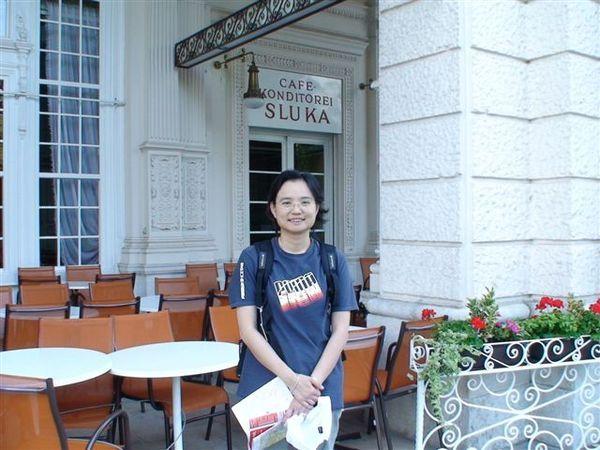 維也納有名的咖啡店--可惜關門了.JPG