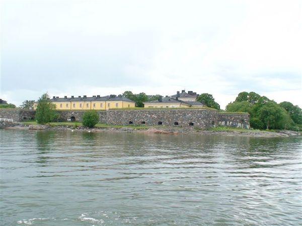 遠眺芬蘭城堡.JPG