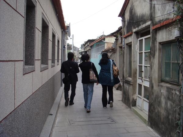 在安平的街道漫步