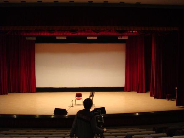 開場前的舞台
