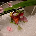 我的生魚片用大碗公盛裝.JPG