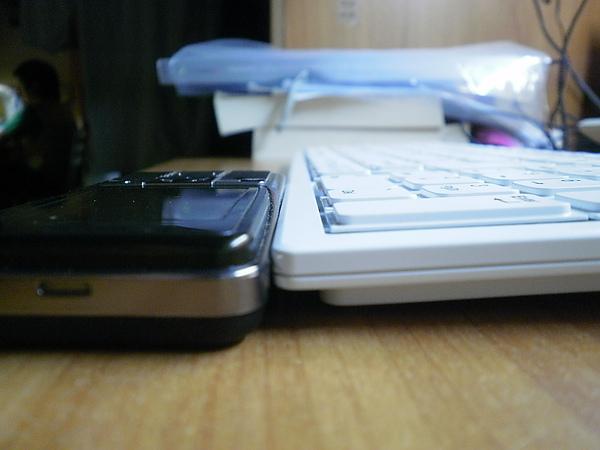 跟手機比比高度1.JPG
