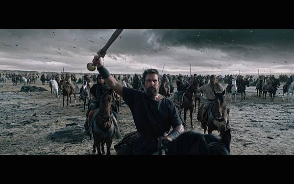 exodus-gods-and-king-movie-screenshot-moses-sword