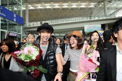 100227香港接機  1.jpg