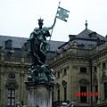 主教公署雕像.JPG