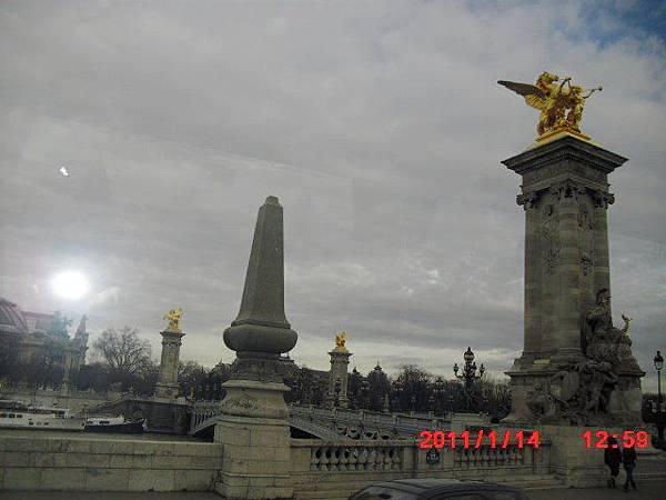 巴黎街景1.JPG