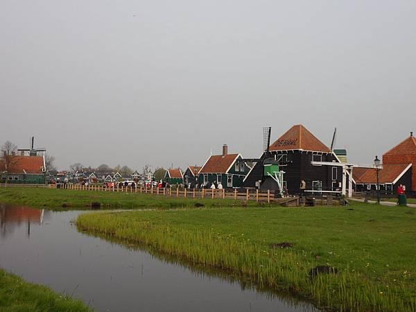 荷蘭阿姆斯特丹-風車村01.JPG