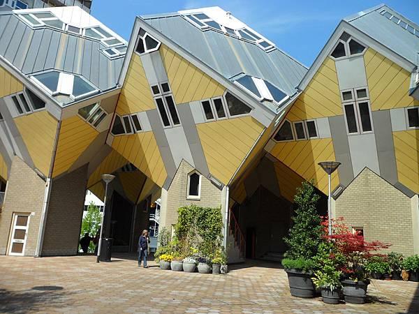 荷蘭鹿特丹-立體方塊屋02.JPG