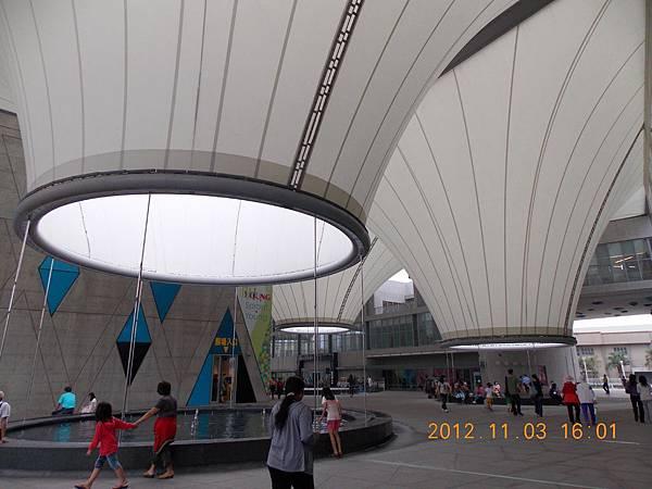 101.11.大東文化藝術中心2.JPG