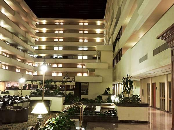 佛雷斯諾-FRESNO HOTEL &CONFERENCE CENTER 03.JPG