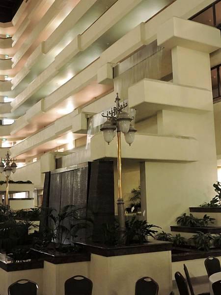 佛雷斯諾-FRESNO HOTEL &CONFERENCE CENTER 05.JPG