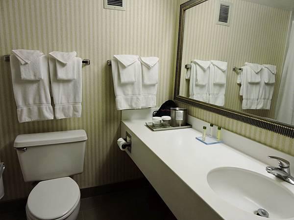 佛雷斯諾-FRESNO HOTEL &CONFERENCE CENTER 12.JPG