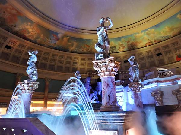 拉斯維加斯-夜遊凱薩宮雕像秀 01.JPG