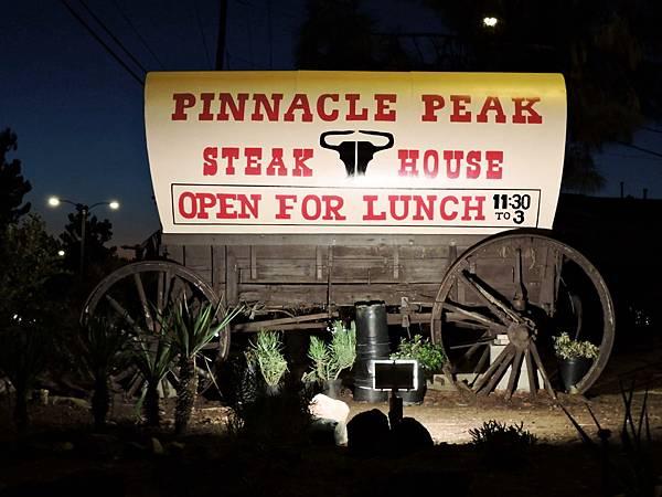 洛杉磯-PINNACIE PEAK剪領帶餐廳美式炭烤牛排 01.JPG