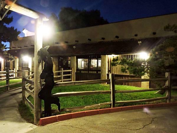 洛杉磯-PINNACIE PEAK剪領帶餐廳美式炭烤牛排 02.JPG