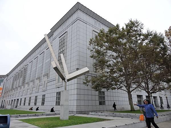 舊金山-市立圖書館.JPG