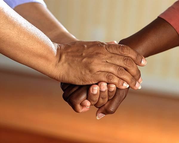 麗富康 持續幫助有需要的人