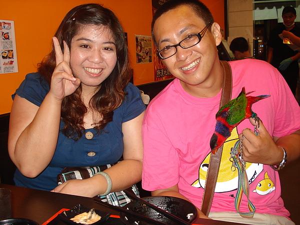 !2010.5.25晚上7.8點於林邊麵店與荺箏合照!!
