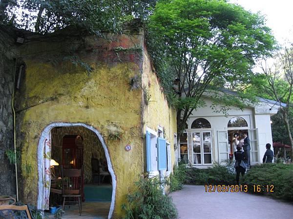 19號咖啡館 (7).JPG