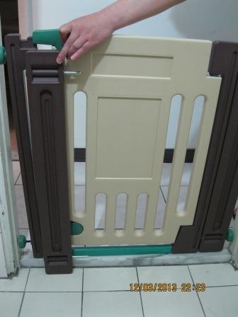 兒童安全門欄 寵物門欄 (1).JPG