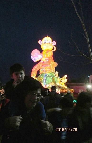 台灣燈會中路風禾公園區祥猴獻桃 (25).JPG