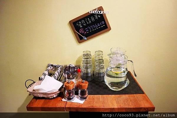 LABU CAFÉ (26).jpg