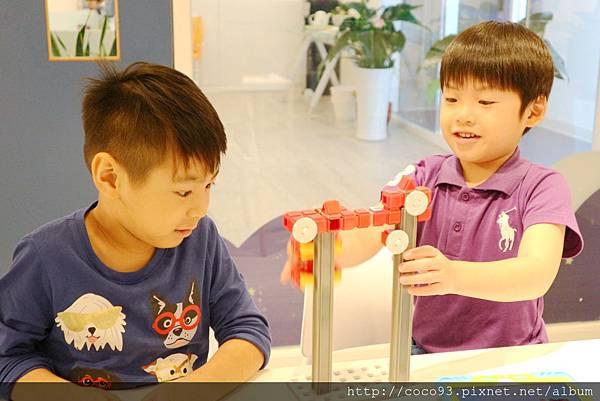 得意未來程式機器人動力機器人課程 (23).jpg