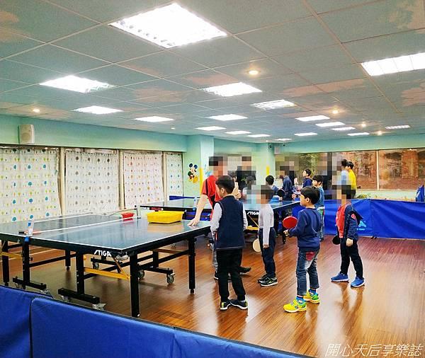 乒乓島兒童桌球 (11).jpg
