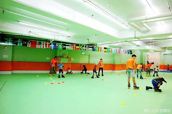 環球兒童運動學院-直排輪曲棍足球 (8).jpg
