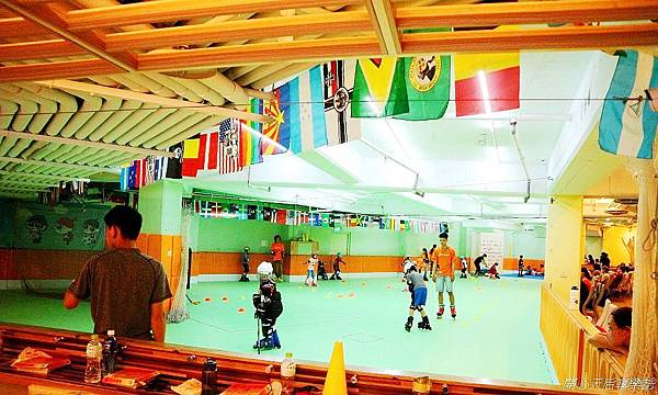 環球兒童運動學院-直排輪曲棍足球 (5).jpg