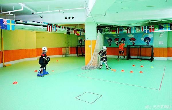 環球兒童運動學院-直排輪曲棍足球 (7).jpg