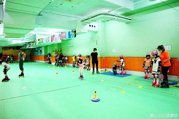 環球兒童運動學院-直排輪曲棍足球 (9).jpg