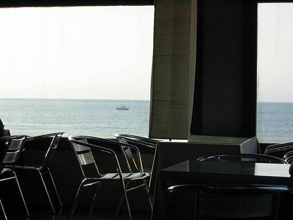 咖啡廳一景