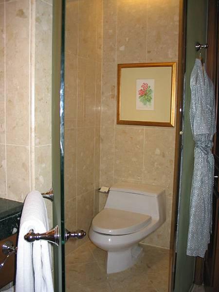 半島酒店的浴室一角