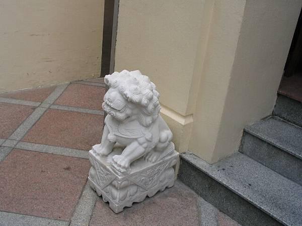 門口的石獅子