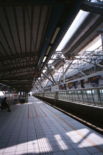 高鐵車站月台