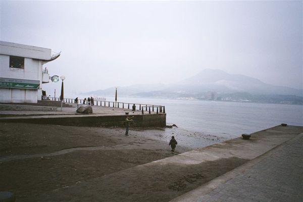 淡水河邊,這張我喜歡,有一種孤獨感