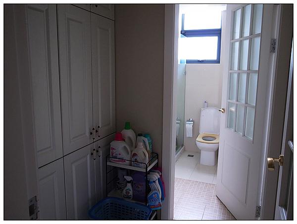 一樓廁所和洗衣房